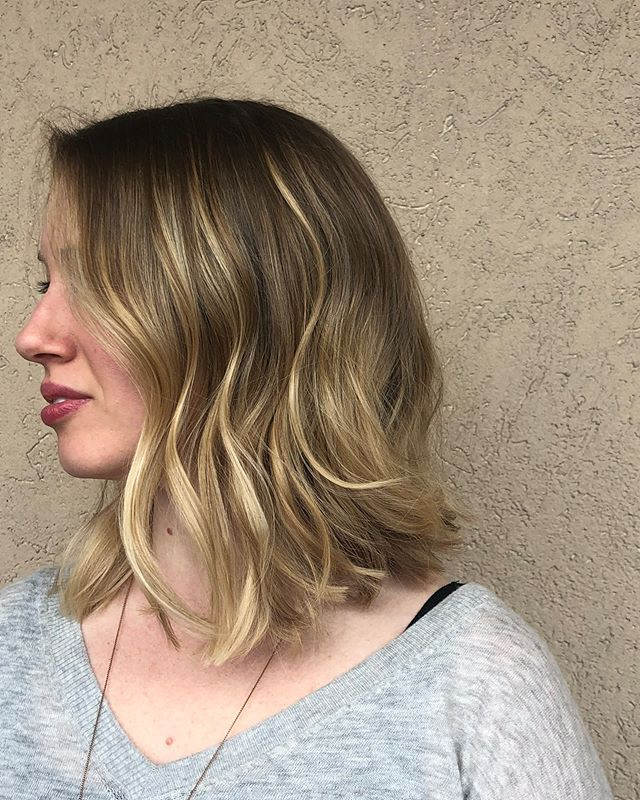 Swipe ——-  to see this haircut straight and the before picture! Haircut by Kalpana. • • • • #haircut #hairinspo #hairinspiration #hairgoals #ohiohair #clevelandhair #ohiosalon #clevelandsalon #clevelandhairstylist #blonde #cut #bookyourappointment #studiotayloronfairmount #haircuts #haircutsforwomen
