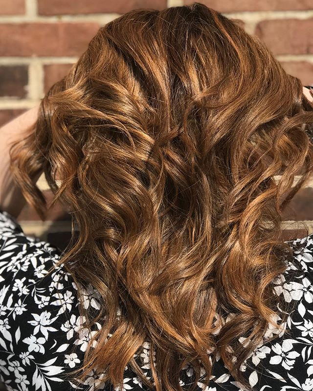 FALLing in love with this color! Call us today at 216-397-9643 to book your appointment for your new fall color! • • • • #studiotayloronfairmount #fall #fallhair #fallcolor #fallhaircolor #clevelandohio #clevelandhairsalon #clevelandheights #curls #copper #haircolor #haircut #hairstyle #balayage #hairinspo #hairinspiration