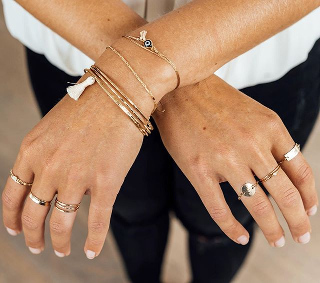 ✨layer up all the dainties✨  #thingoldbangles #thingoldstackingrings #customrings #initialrings #evileyejewelry #tasselbracelet #carmacollection