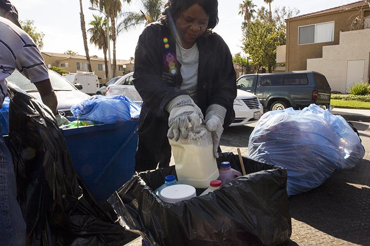 Santa-Clarita-City-Sheriffs-Public-Health-Officials-Conduct-Unpermitted-Food-Vendor-Task-Force-6.jpg
