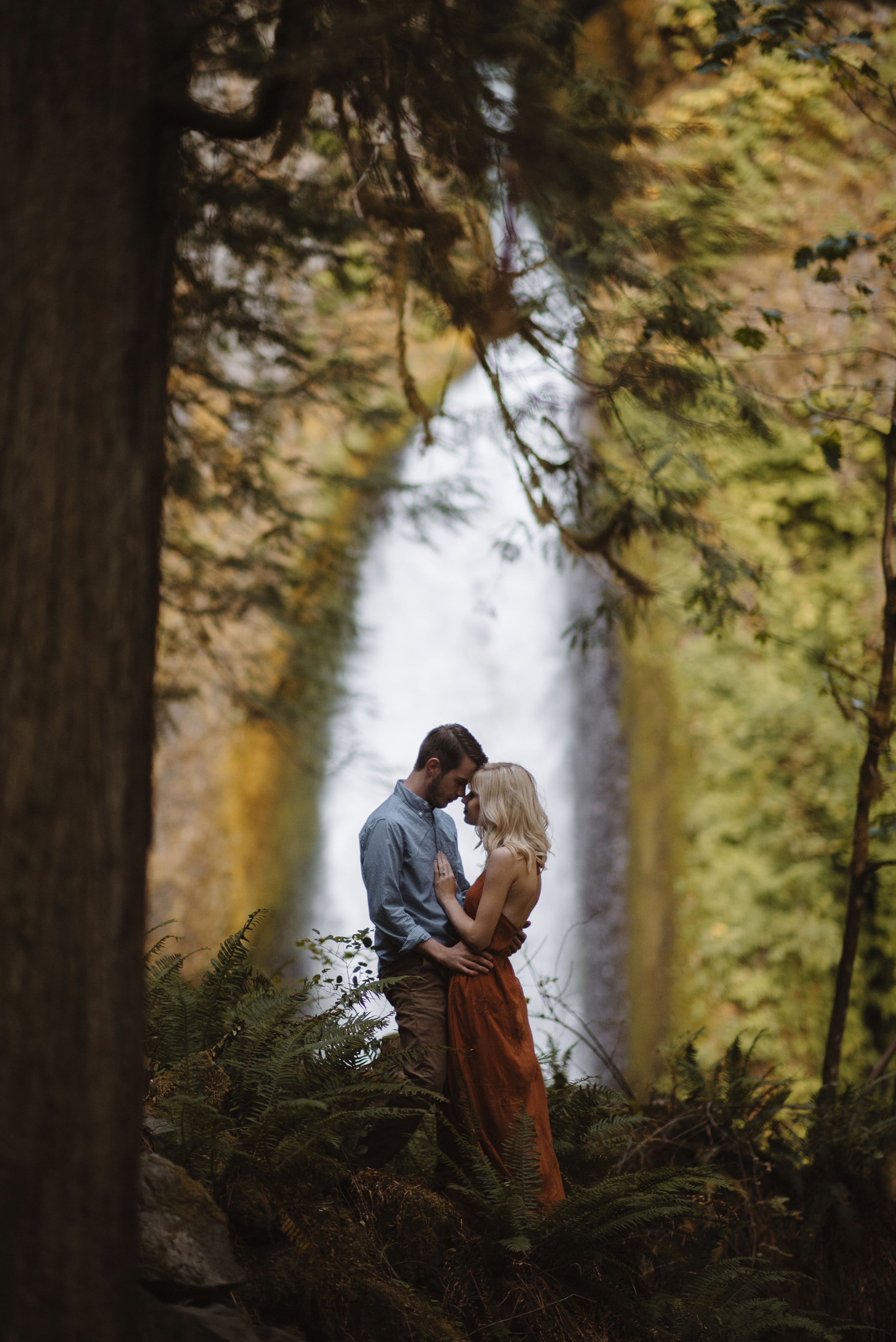 Columbia River Gorge Oregon Adventure Couples Photographer 10.jpg