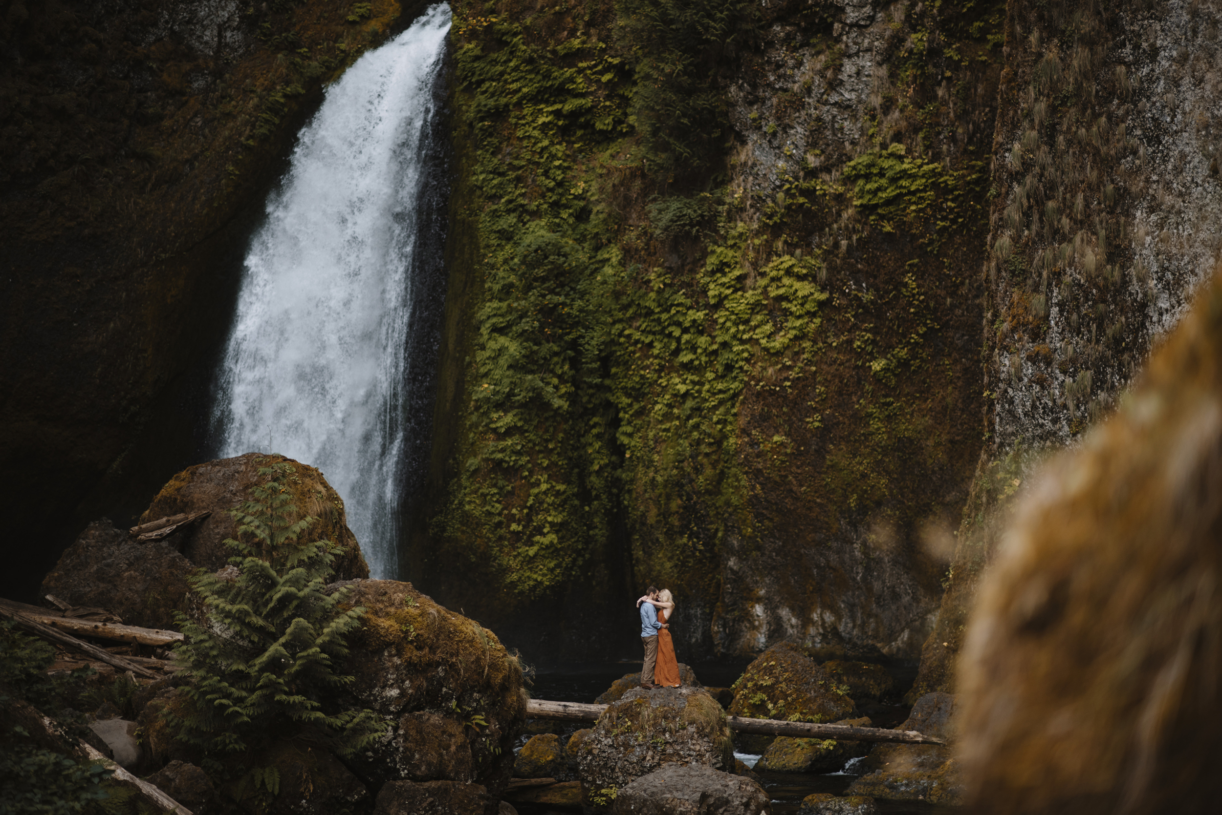Columbia River Gorge Oregon Adventure Couples Photographer 29.jpg