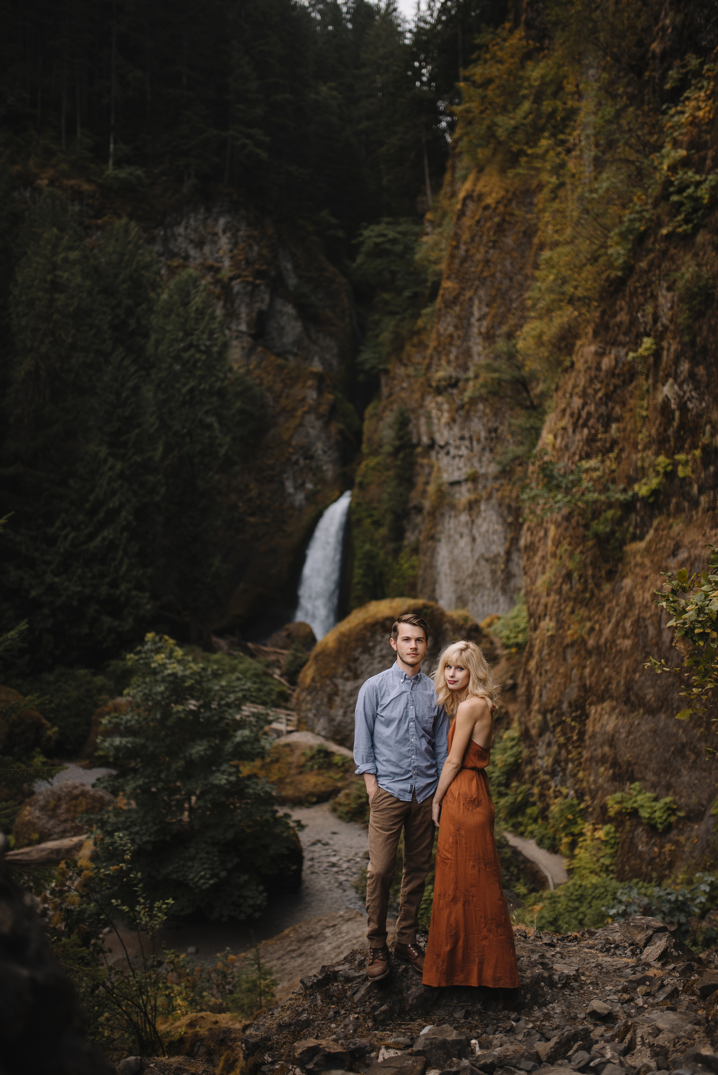 Columbia River Gorge Oregon Adventure Couples Photographer 108.jpg