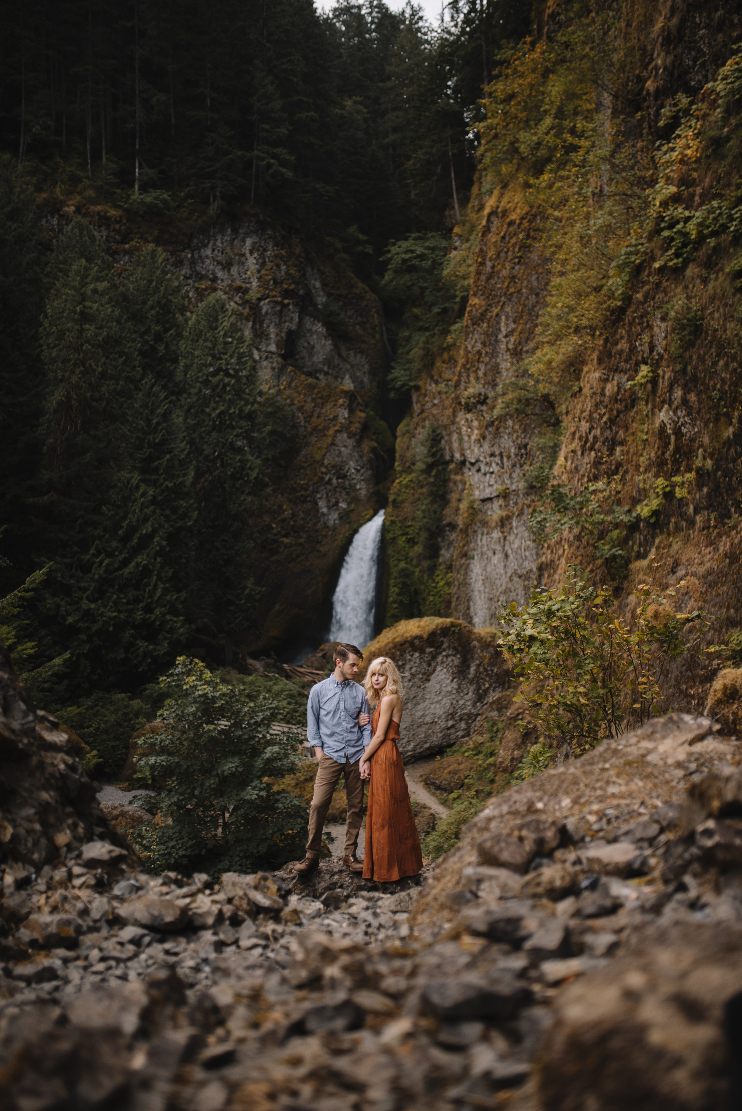 Columbia River Gorge Oregon Adventure Couples Photographer 113.jpg