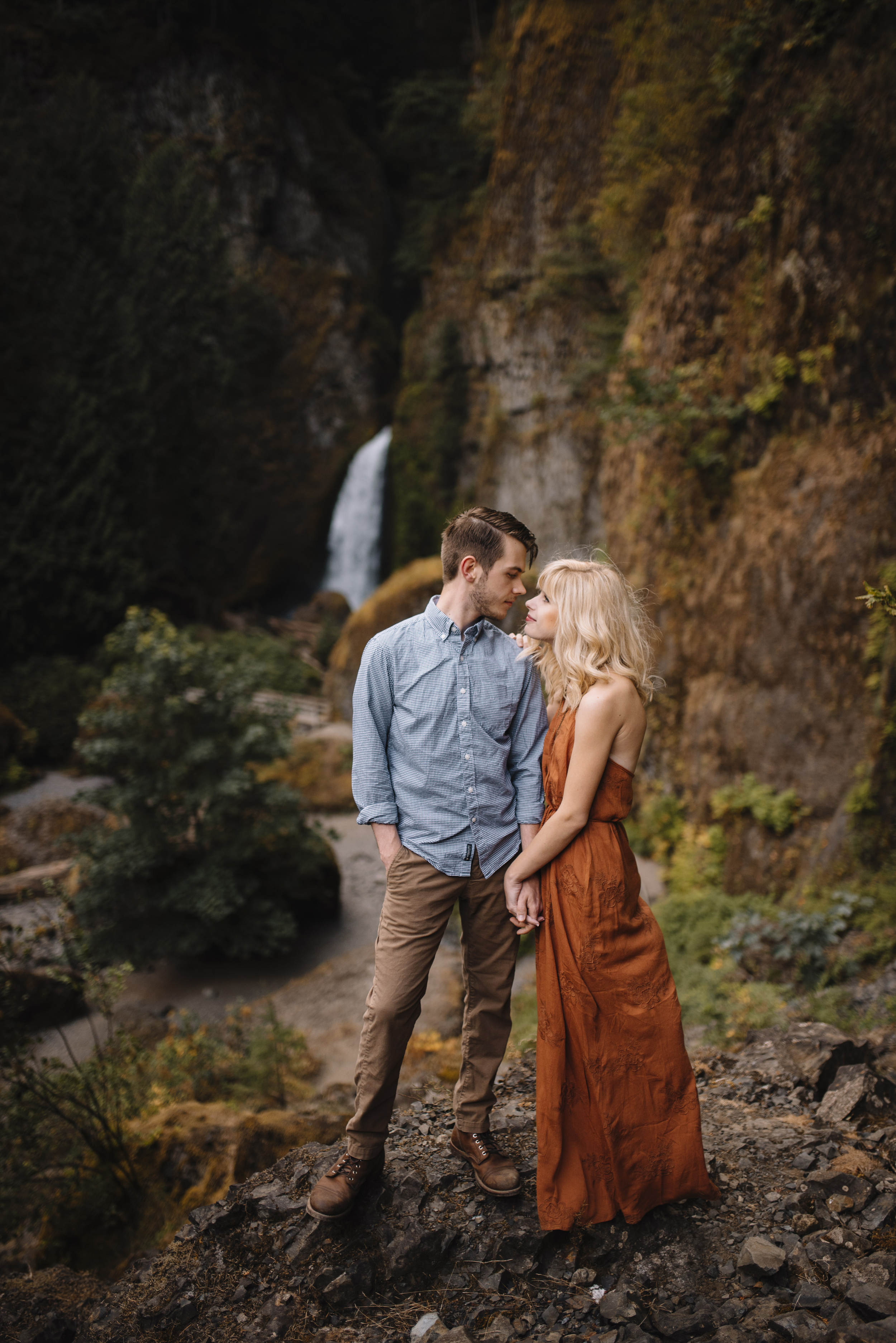 Columbia River Gorge Oregon Adventure Couples Photographer 119.jpg