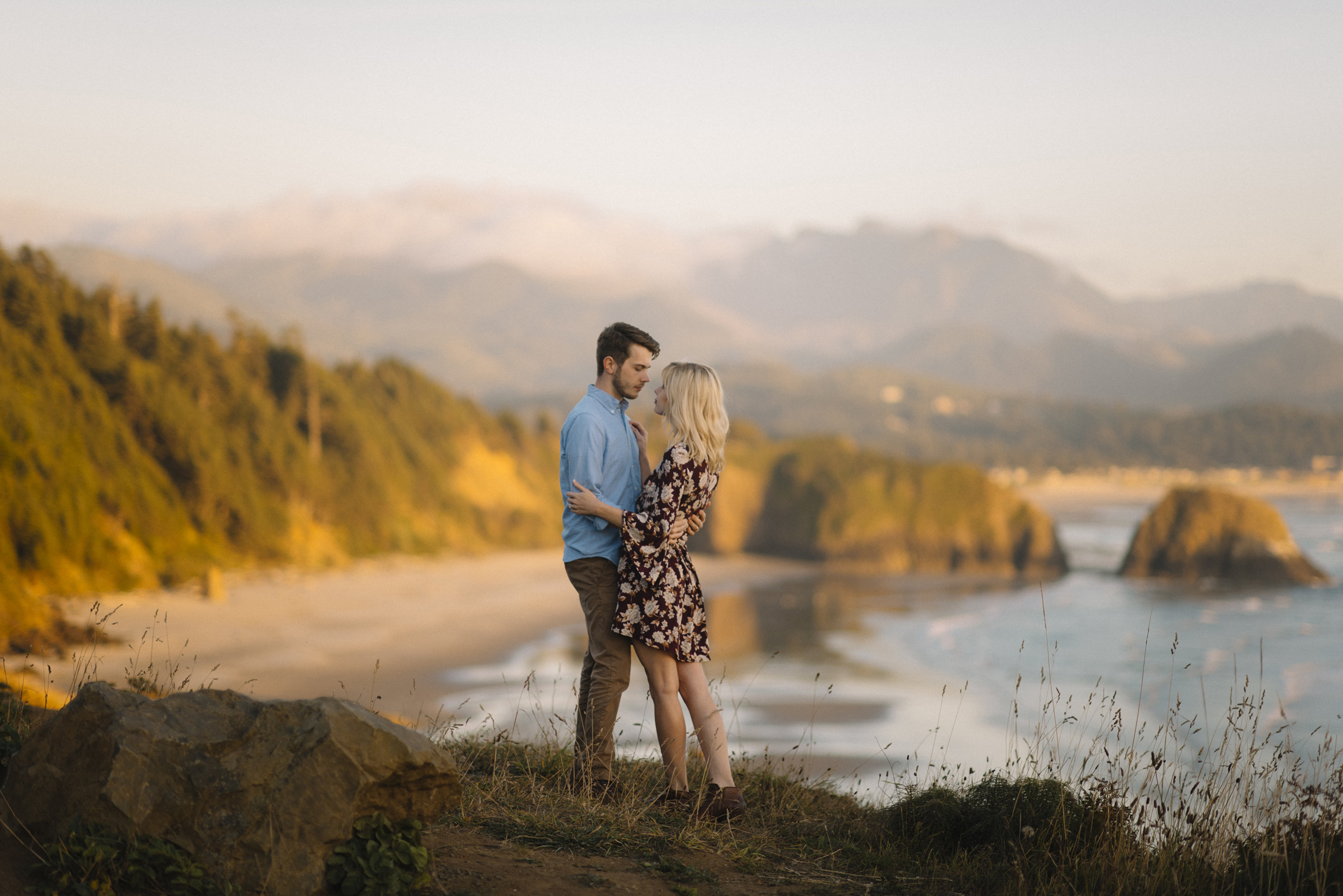 Cannon Beach Oregon Coast Adventure Couples Photographer 68.jpg