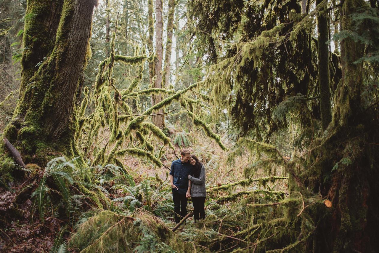 Snoqualmie-Washington-Adventure-Anniversary-Photography26-.jpg