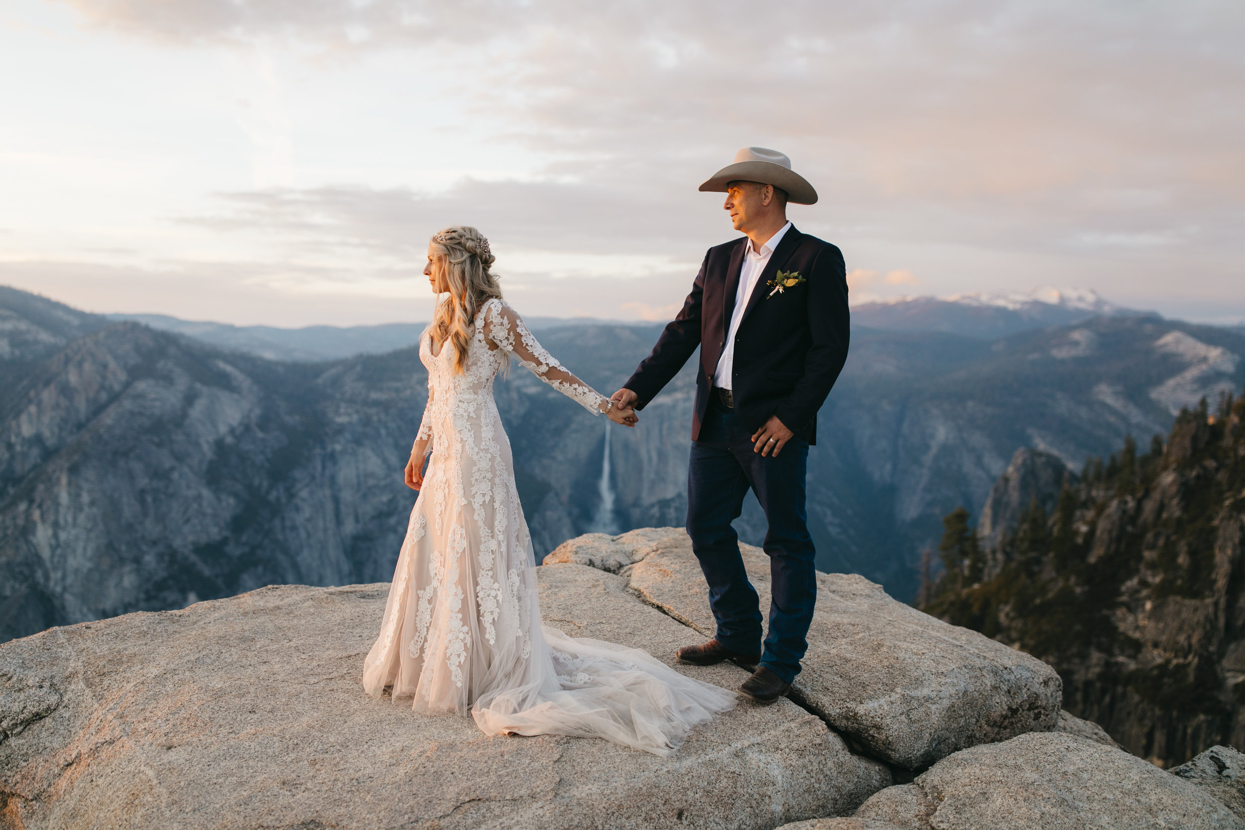 Yosemite-Elopement-Photographer-Taft-Point-Wedding.jpg