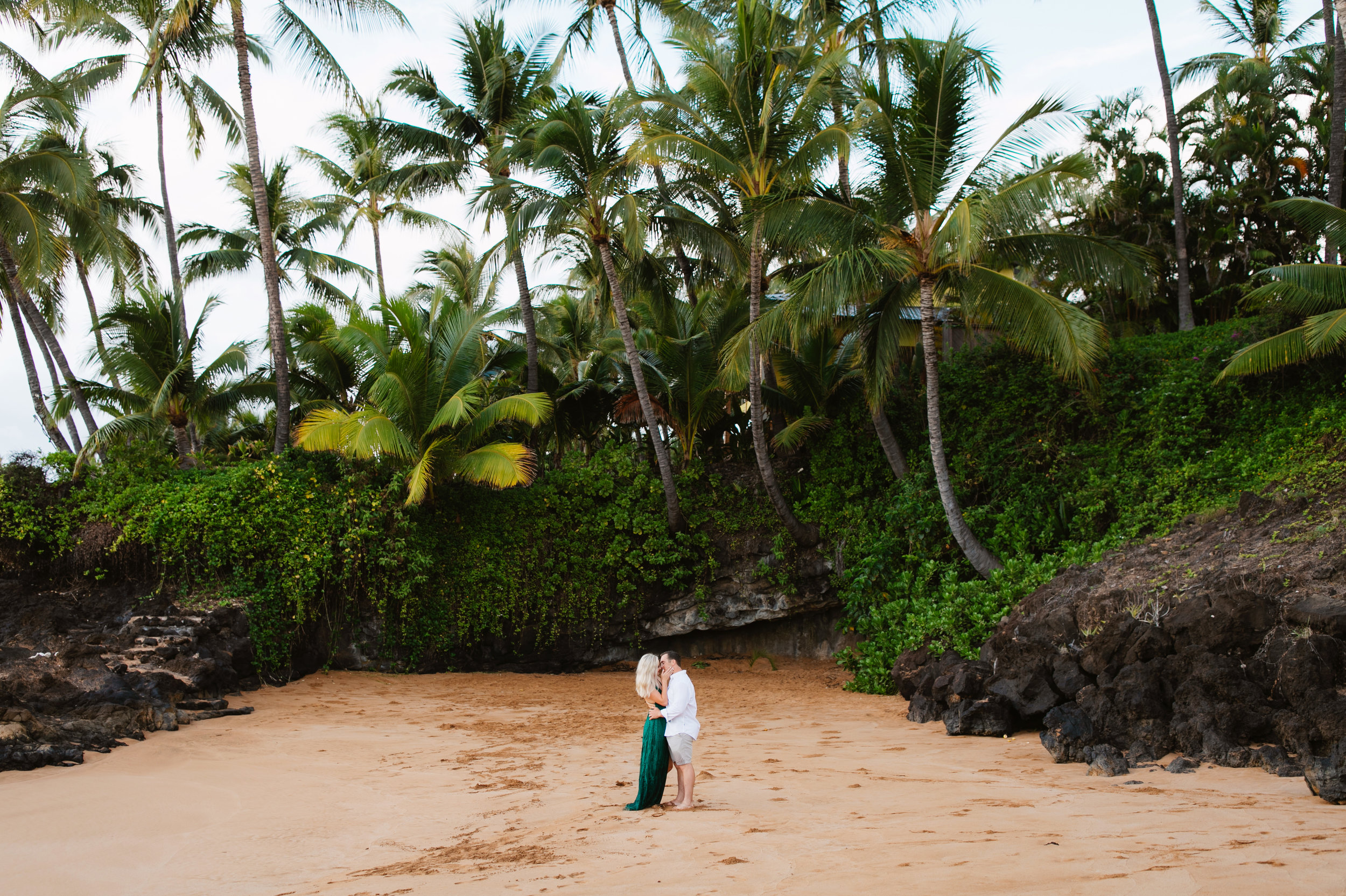 A maui anniversary photo session by hawaii elopement photographer