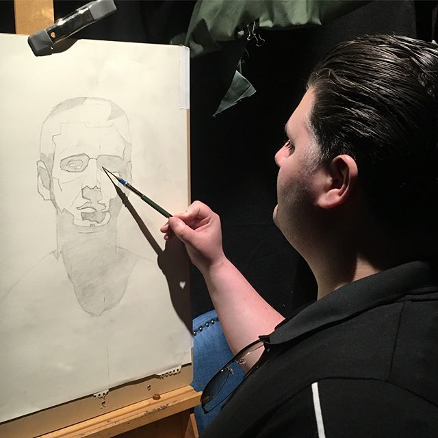 Day 2 of Emmys sight size portrait workshop has everyone wrapping up their drawings and transferring at the end of the day. #portrait #portraitpainting #sightsize #indirectpainting #araboston #academyofrealistart #art #boston #drawing @emanuelademusis