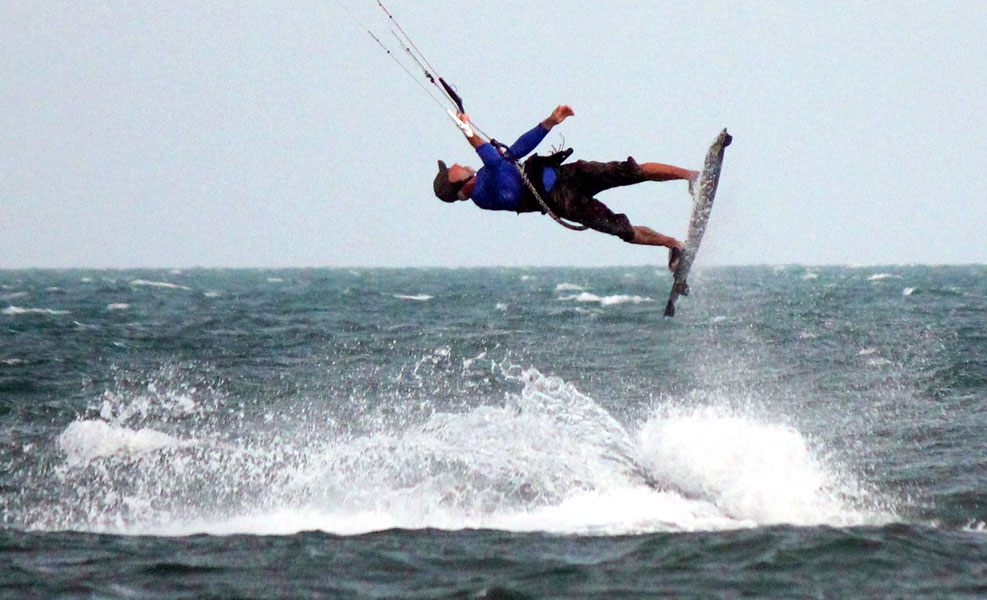 Kitesurfing beach India
