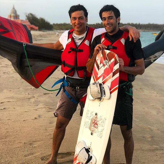 Brothers who kiteboarding together, ride forever... it was an awesome experience for the team to coach you guys and we wish you many years of epic kiteboarding trips. Looking forward to your next visit! 🏖💨🌊 #kitesurfindia #kiteboardingindia #kitesurfing #kiteboarding #lifeinthedeepsouth #kathadinorth #questacademy #questexpeditions