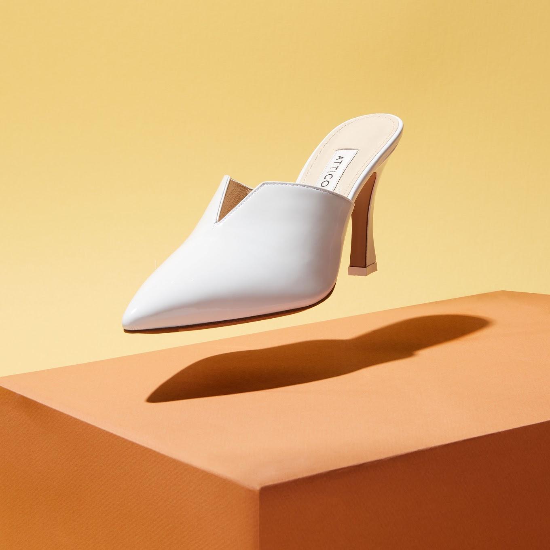 Floating_Shoe.jpg