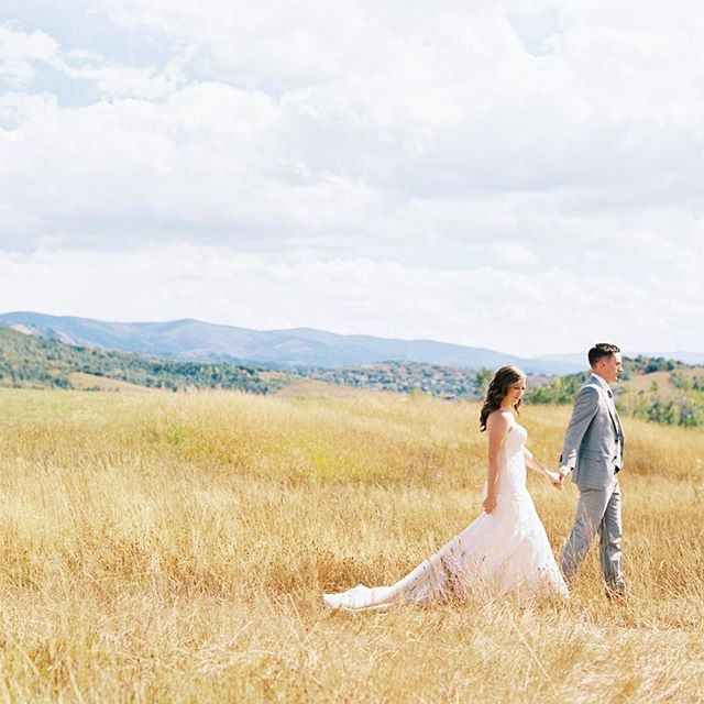 Strolling into the weekend like... A magnificent day in Colorado with @jillianjensenevents #austingrosphotography