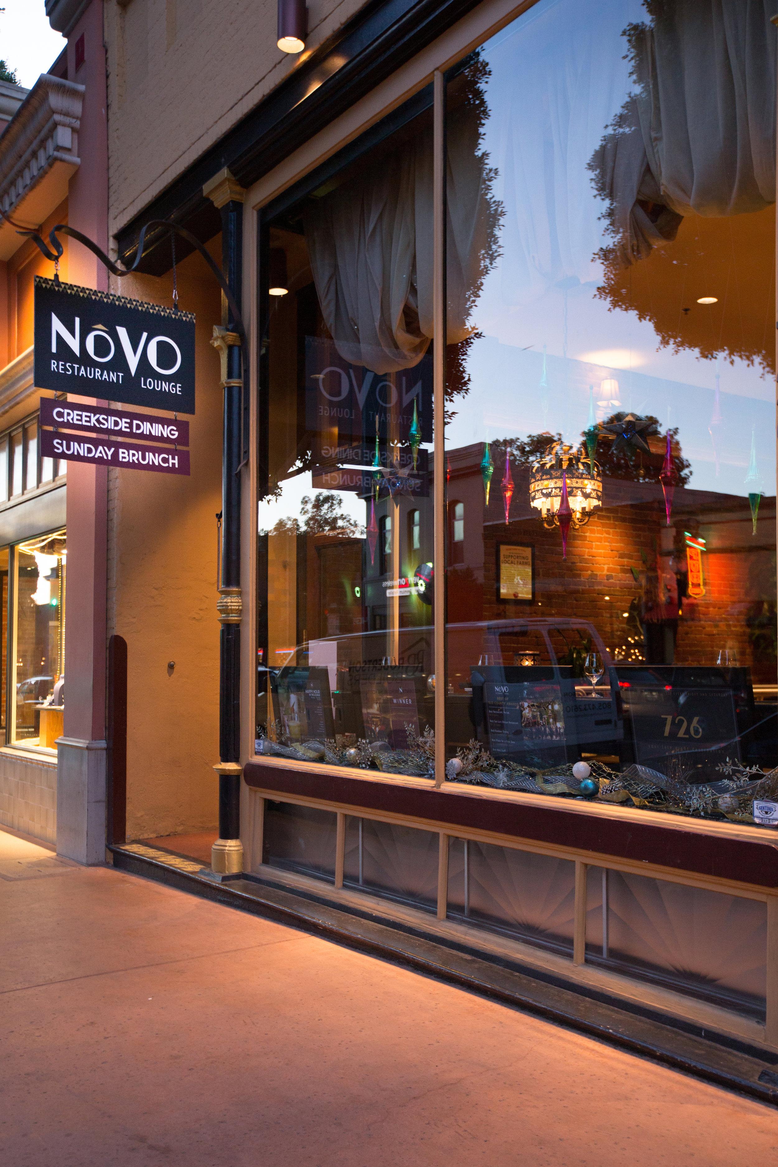novo-restaurant-lounge-patio-26-v2.jpg