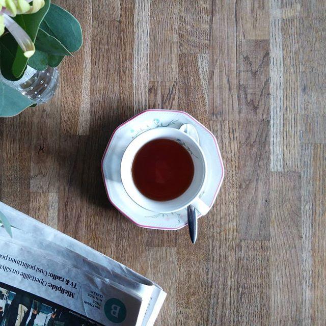 Joko olet huomannut uudet ihanat kahvikuppimme? Tule ja valitse fiilikseesi sopiva kupponen 🌸🥀🌺🌻 Kahvin tai haudutetun teen seuraksi sopii mainiosti konditoriassamme leivotut makeat ja suolaiset herkut 🍰🍪🥧 #kakkukahvilamirapoppins #mirapoppins #kierrätyskupit #konditoria #hallituskatu21