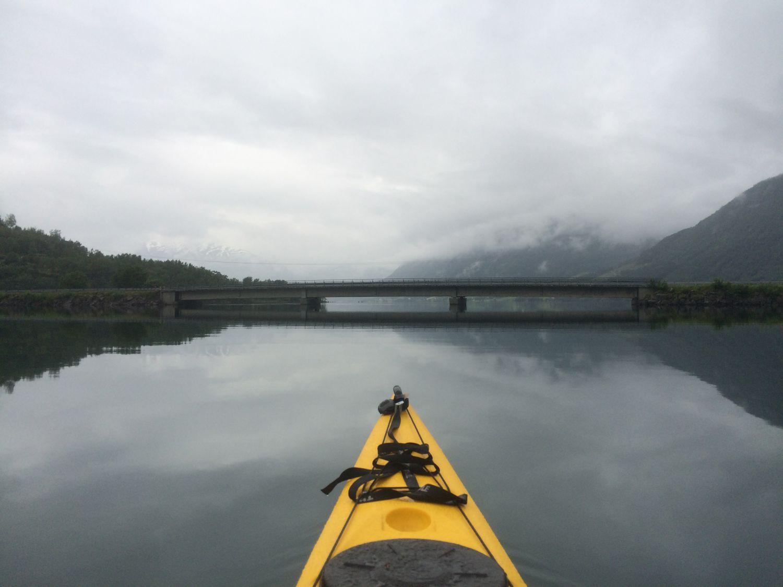 kjosnes_feriehytter_jolstravatnet_kayak.jpg
