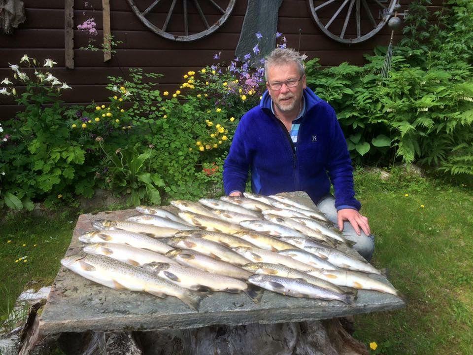 kjosnes_feriehytter_jolstravatnet_fishing.jpg