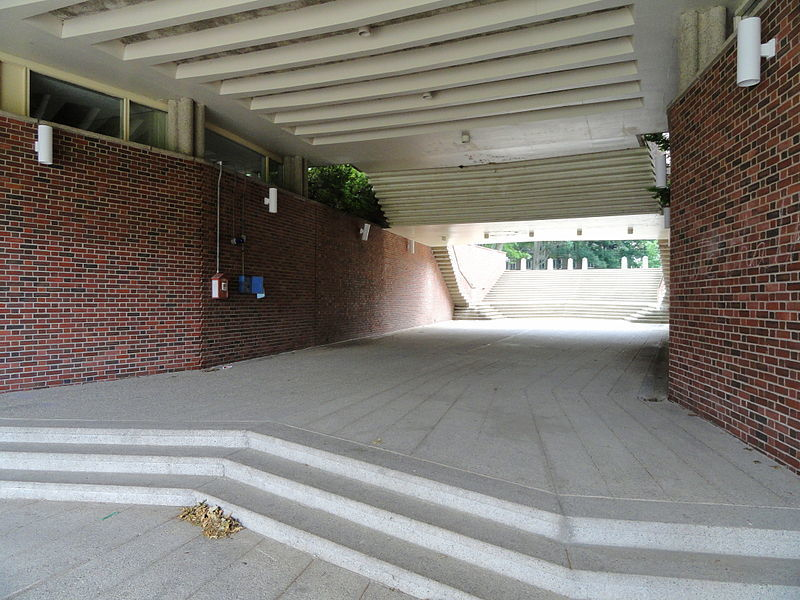 800px-Jewett_Arts_Center_-_Wellesley_College_-_DSC09678.JPG