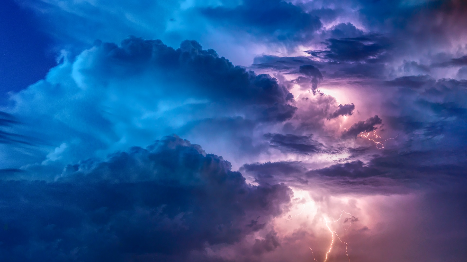 Thunderstorm lunar energy