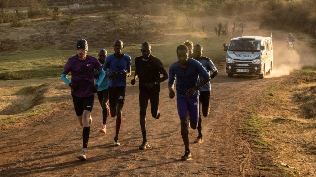 Kenyan_Runners.jpg