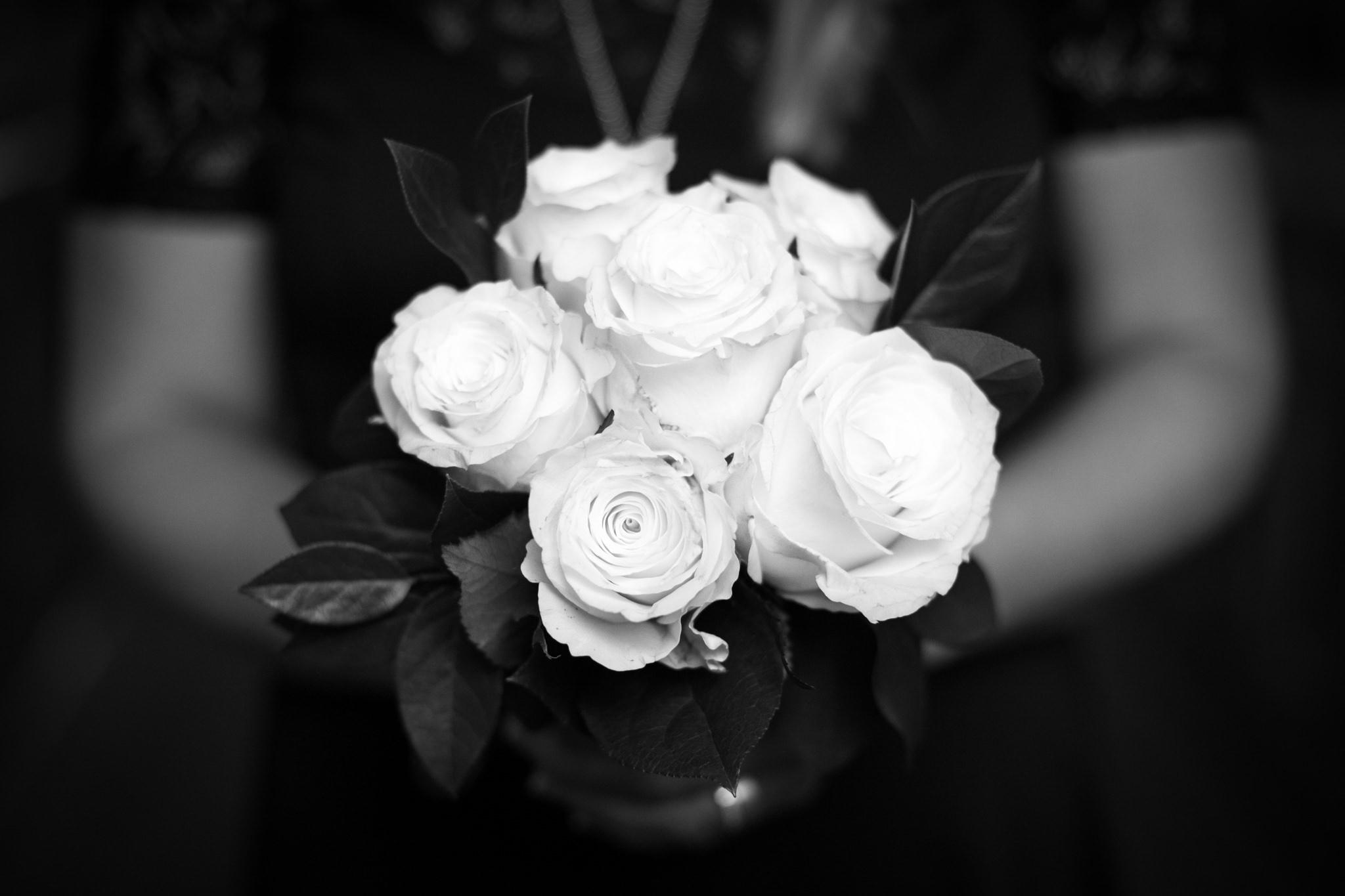 White Buqouet.jpg