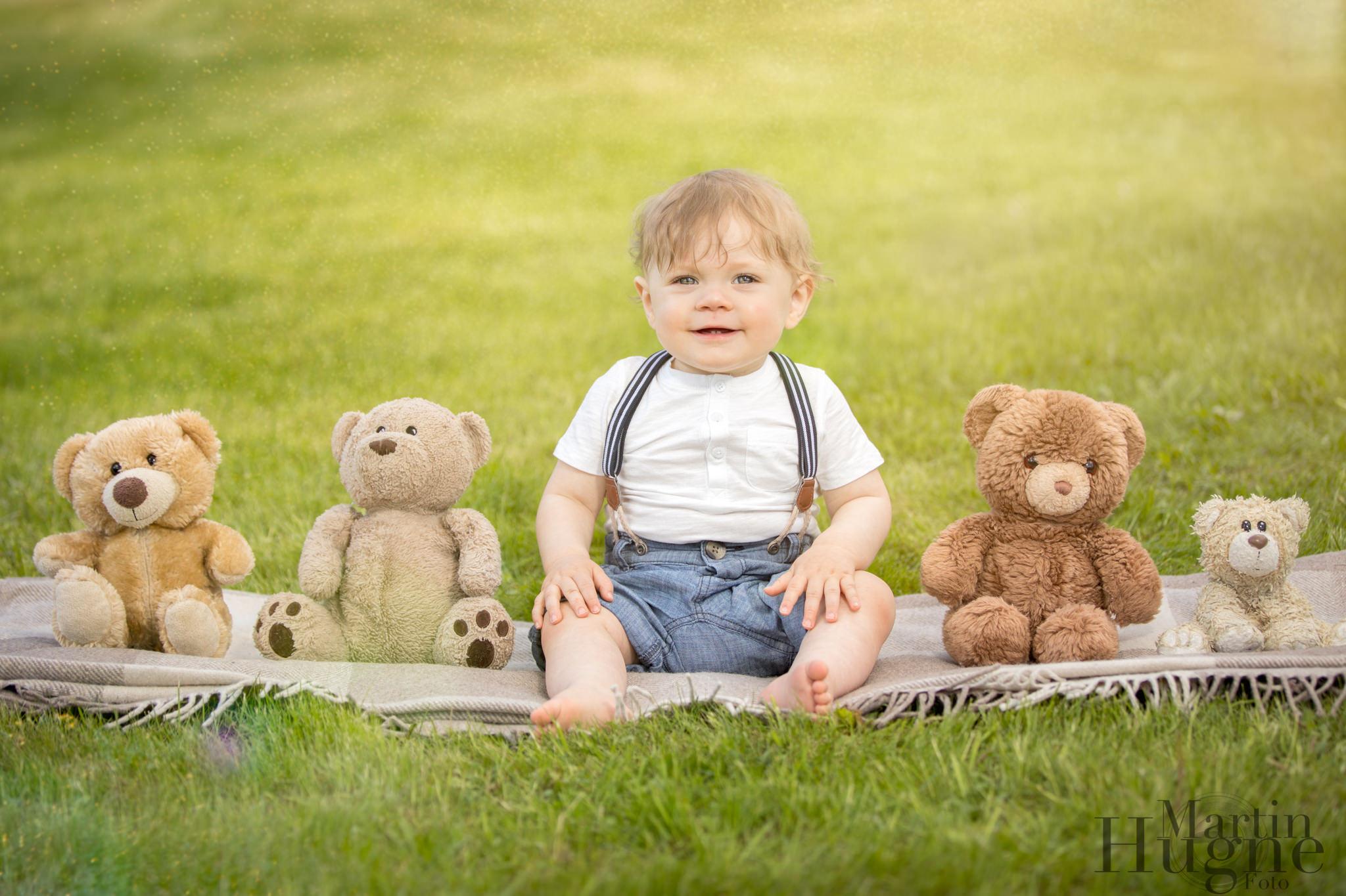 Baby with teddy bears.jpg