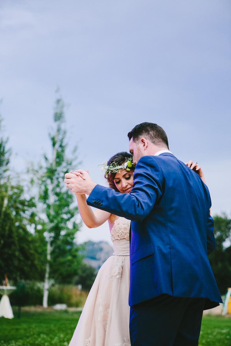 hart_0761_sol-gutierrez-wedding-mazama-winthrop-methow.jpg