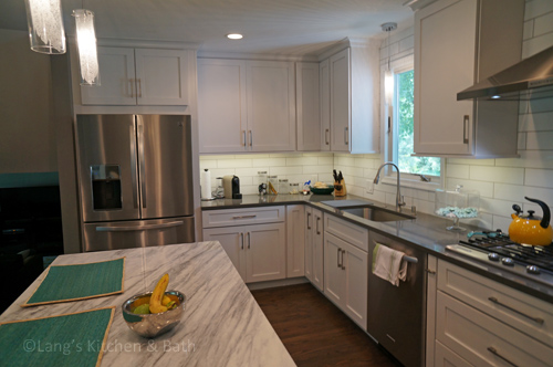 Kitchen design with corner kitchen cabinets