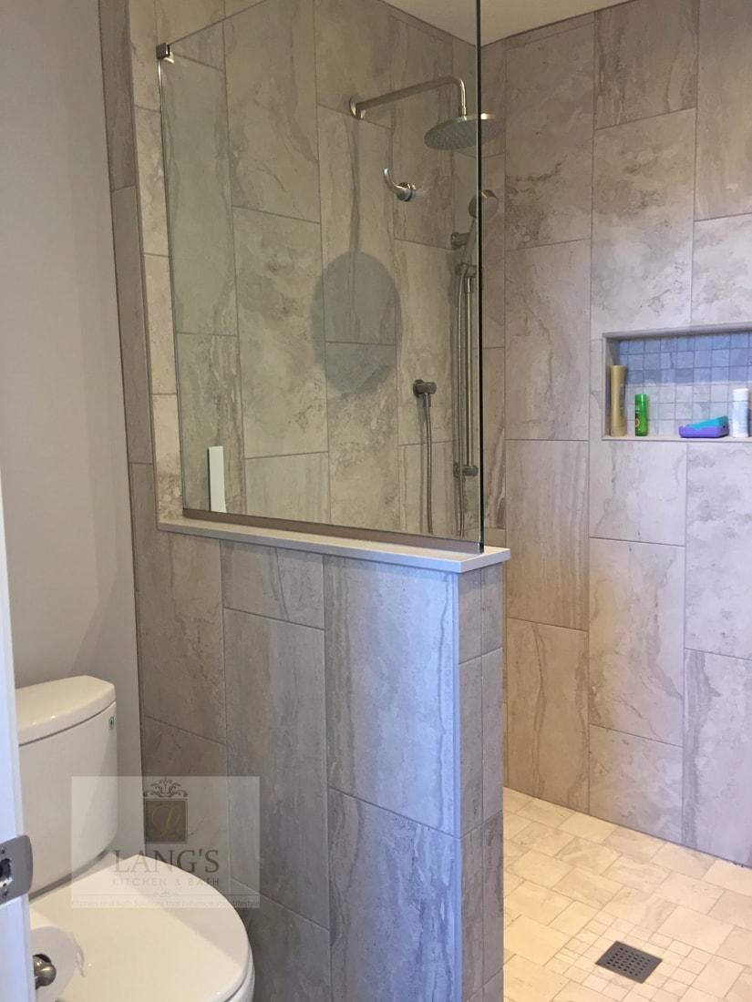 Thresholdless shower design