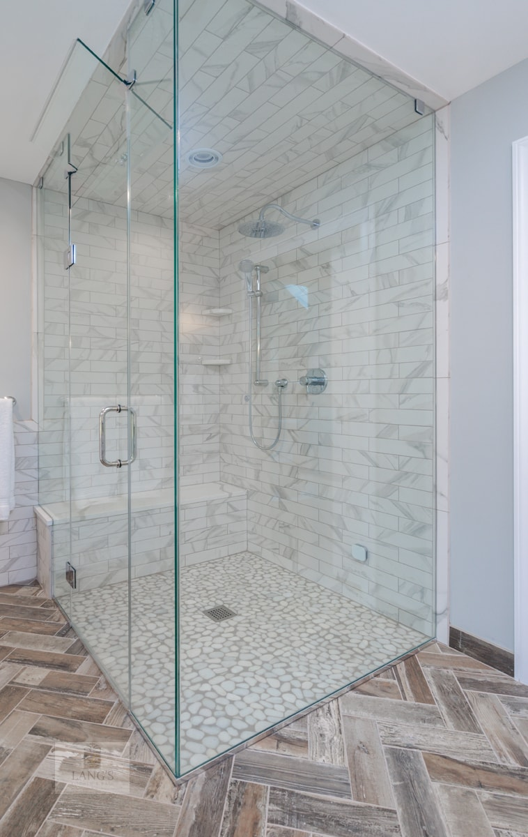 bathroom design with steam shower