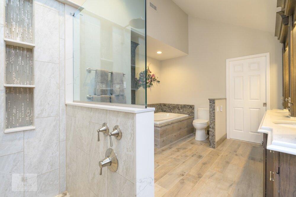 large bathroom design