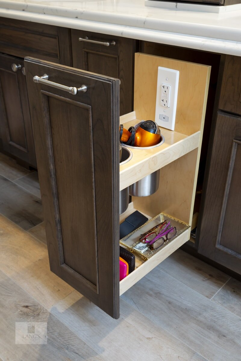bath design with storage pull outs