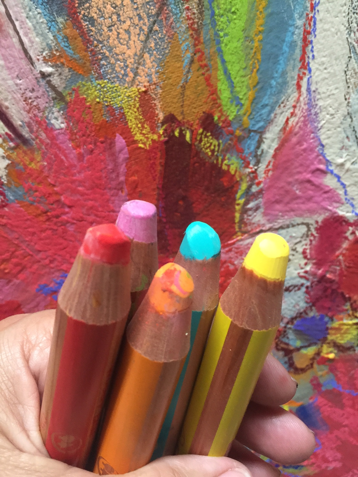 I am a super fan of these Woody water soluble crayons. These yummy fella's are so much fun to use because they are chunky easy to draw with and even more fun when you brush them with a little bit of water.