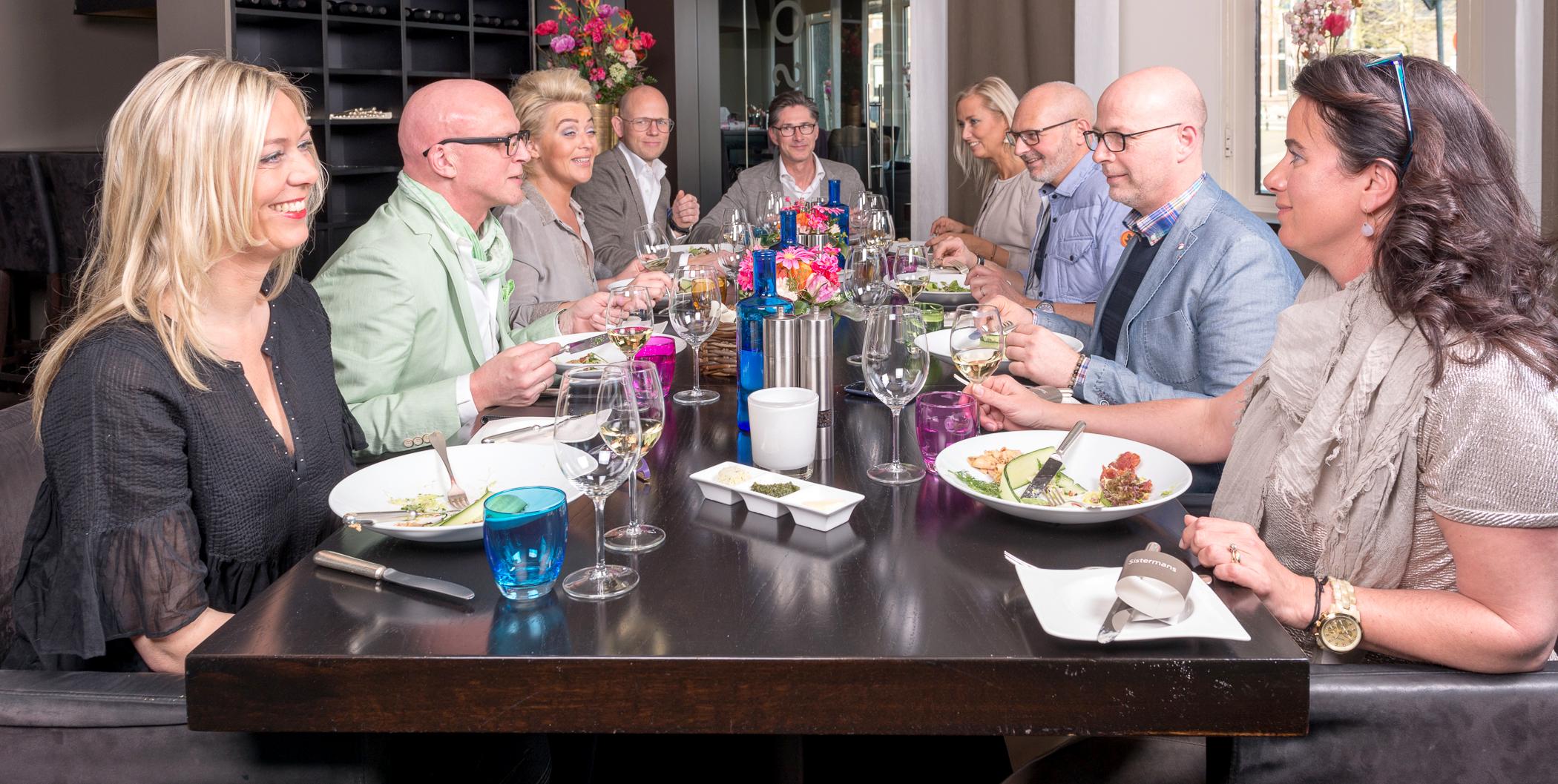Dezelfde gasten aan tafel in 2014 ...