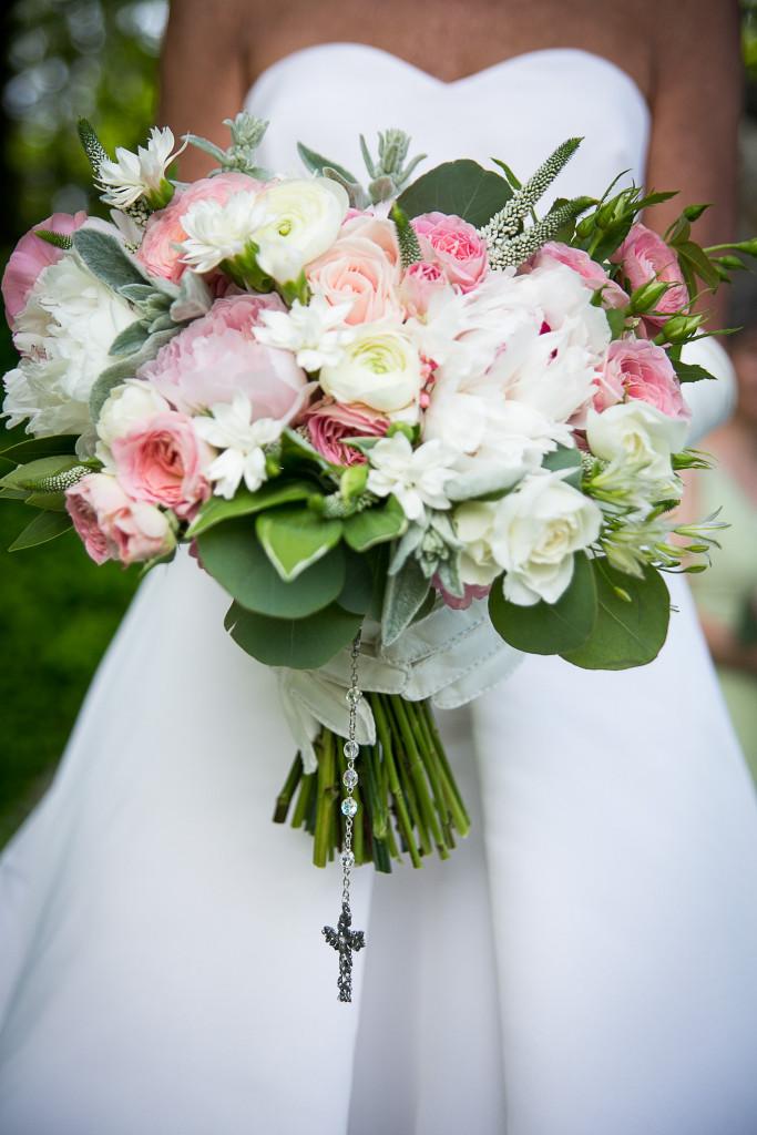 13.-Rosary-Shot-Bouquet-Kathy-Rusty-14-Details-0066-683x1024.jpg