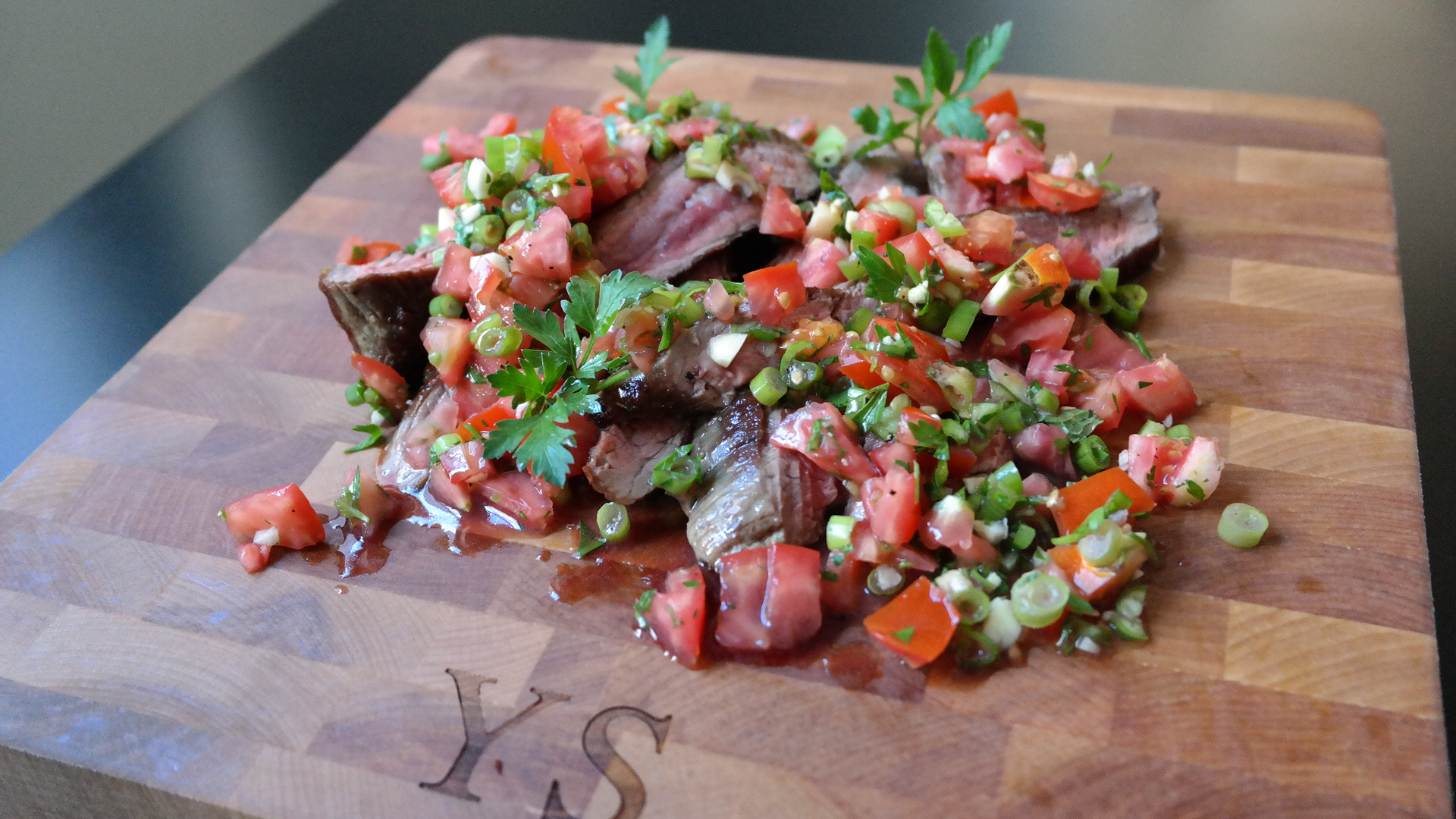flank-steak-salsa-fresca.jpg
