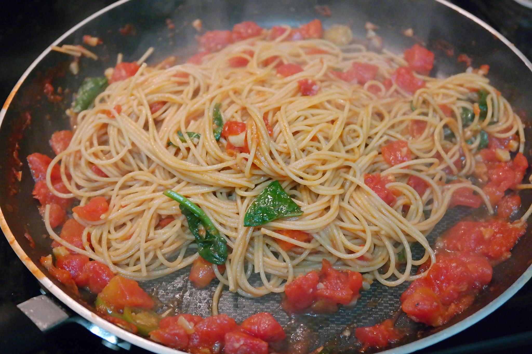 pasta-in-tomato-sauce.JPG