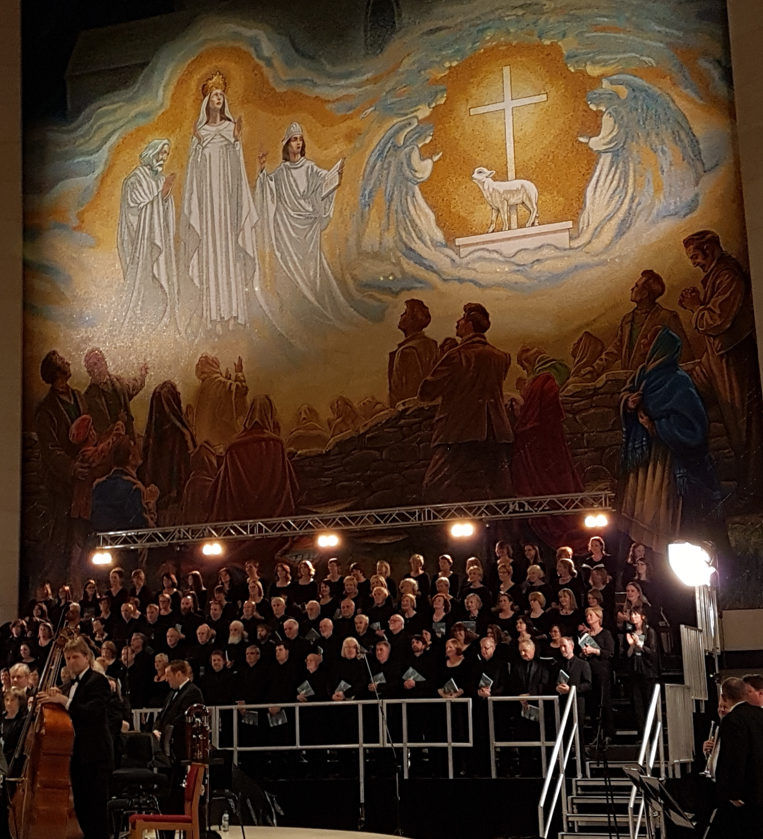 DLCS Choir-20160514_215738.jpg
