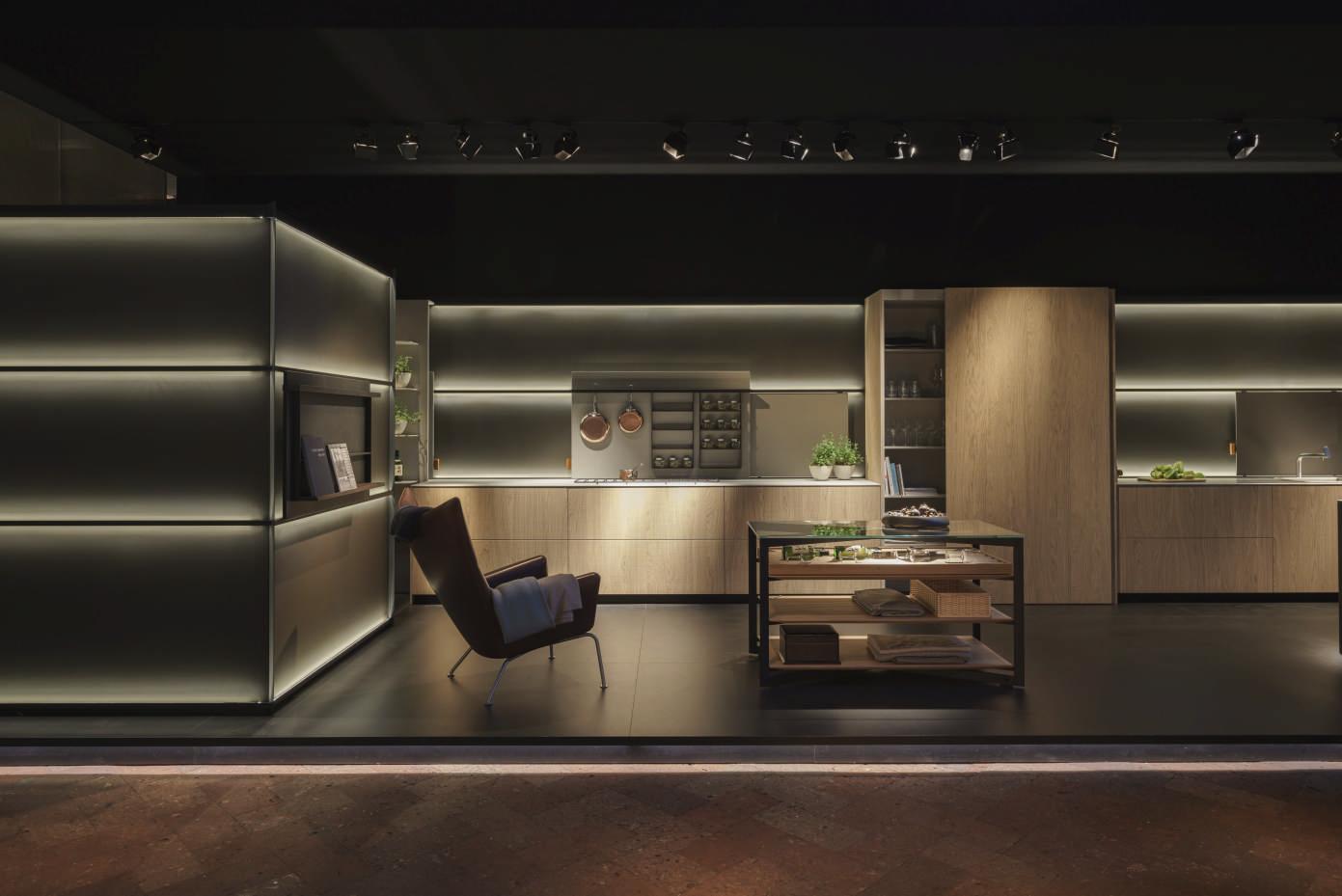 B3 kitchen atmosphere.