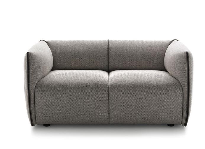 Mia sofa.