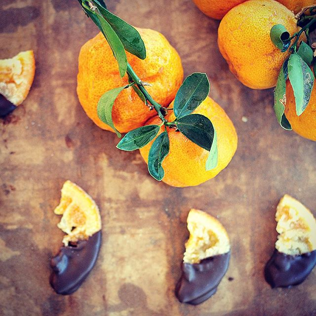 Yay, @conwaysconfectons are back! These delectable handcrafted treats are made using estate grown citrus and spices from the family ranch in Ojai which is then paired with the finest couverture chocolate available. You can literally taste the care and attention that goes into every confection! #estategrown #handmade #ojai #santabarbara #artisanchocolate #candiedcitrus #shoplocal #confections #gourmet