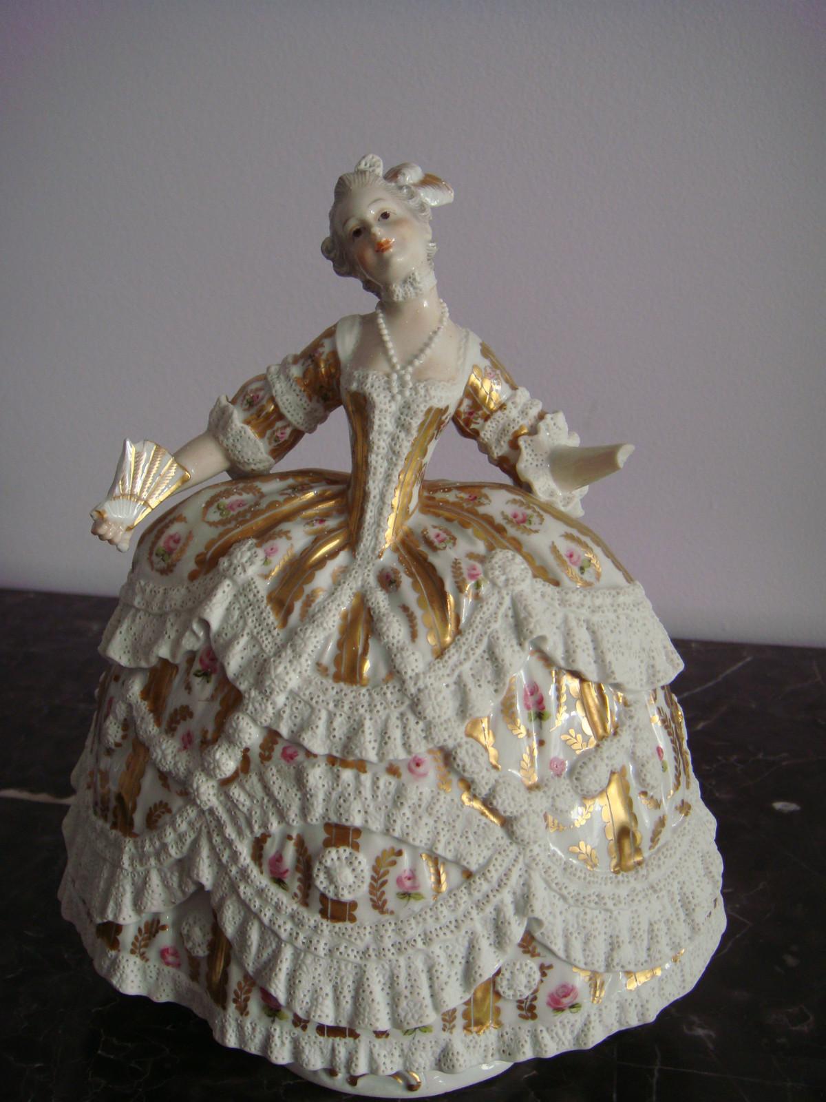 MA figurine my fave.JPG