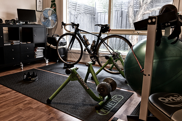 All you need for an indoor ride: fan, trainer, riser block, entertainment... all that's missing is the rider