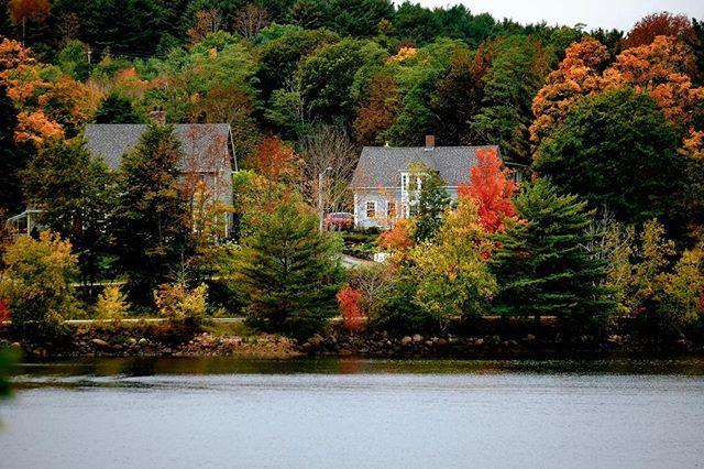 More glorious fall colours at Mahone Bay, Nova Scotia. #mahonebay #novascotia #fall #autumn #fujifilm #fujifilmxt1