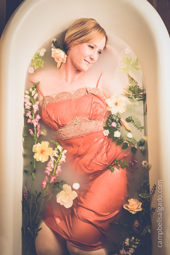 milk-bath-boudoir-photography_portland-oregon_photo-studio_kim-campbell-photographer-6.jpg