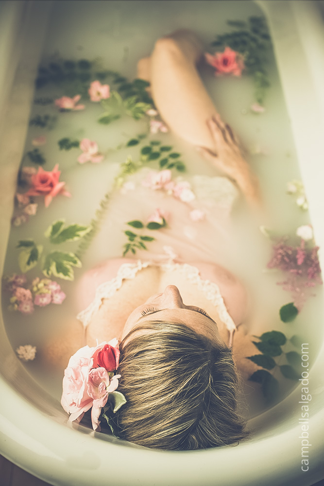 milk-bath-boudoir-photography_portland-oregon_photo-studio_kim-campbell-photographer-3.jpg