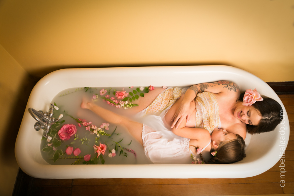 milk-bath-photography-maternity-pregnancy_portland-oregon_photo-studio_kim-campbell-photographer-9.jpg