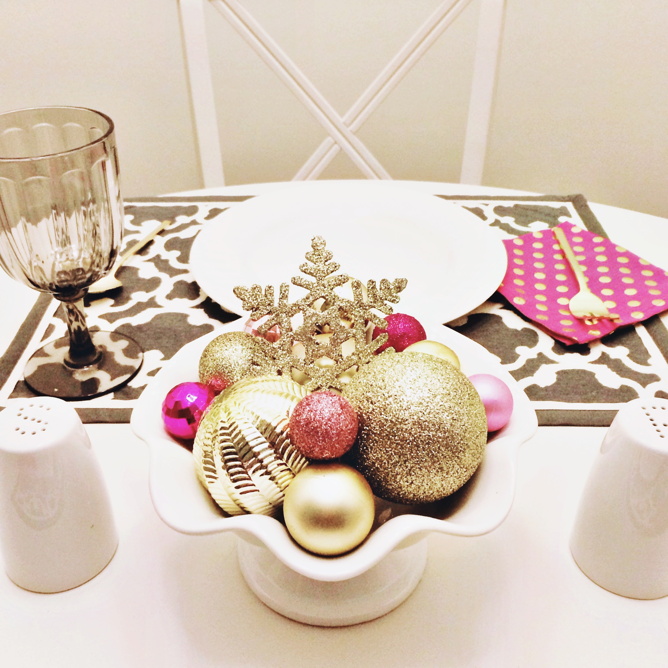 Pink and Gold Holiday Ornament Centerpiece | Simply Jessica Marie