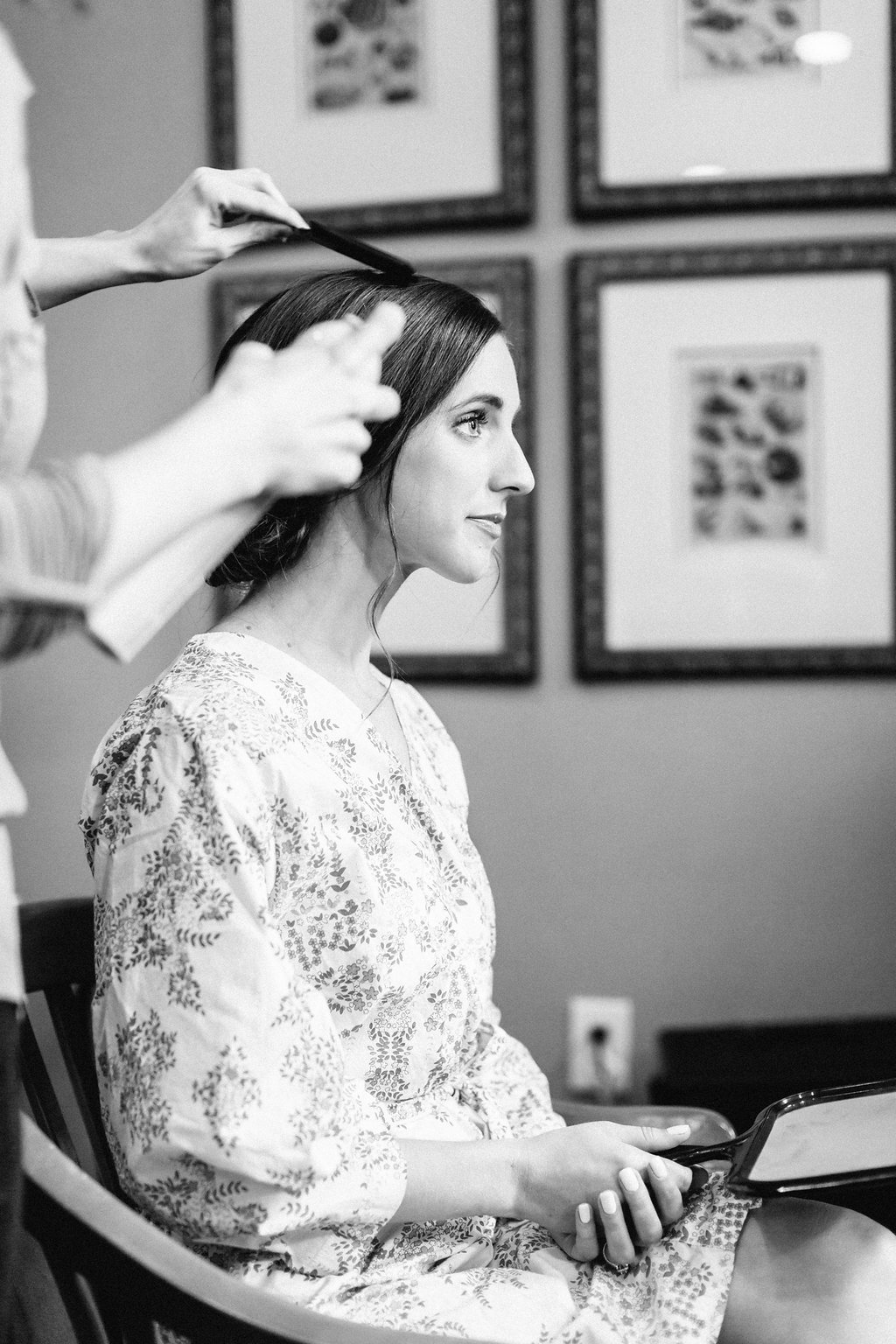 Bride getting ready in Plum Pretty Sugar Robe at Gettysvue Country Club in Knoxville Tennessee | Simply Jessica Marie's Southern Wedding | Photo by Perry Vaile Photography